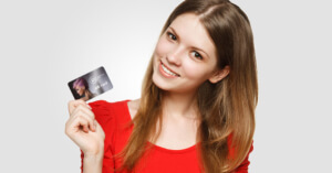 woman holding gift card